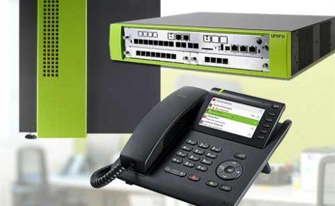Ganz nach Ihren Bedürfnissen richten wir für Sie komplexe Telefonanlagen ein, welche die Verbindung von vielen Endgeräten erlauben und Ihre Telefonie erst richtig effizient machen. Teilen Sie den verschiedenen Apparaten interne Kurzwahlen zu, leiten Sie unkompliziert Anrufe von einem zum anderen um, eröffnen Sie Konferenzschaltungen und vieles Mehr. So wird Ihre telefonische Kommunikation erst richtig effektiv und wird auf die nächste Stufe gehoben. Das alles funktioniert natürlich über VoiP – das Ende von ISDN wird Sie damit nicht mehr tangieren.